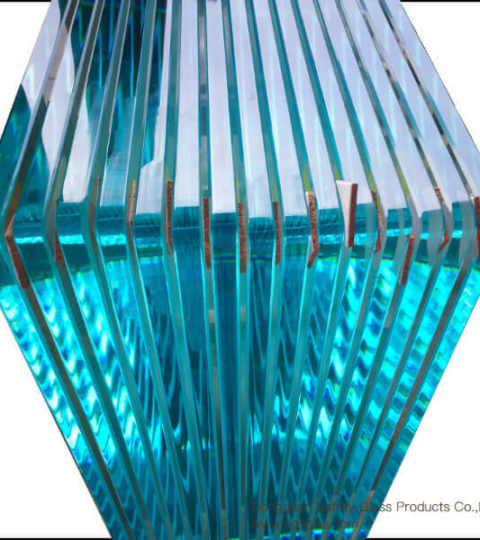 Low-iron-tempered-glass-with-thickness-15mm-provided-by-glass-manufacturer_us8